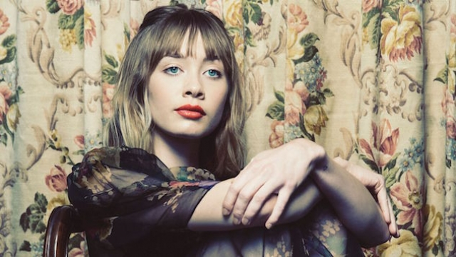Alexandra Savior y su debut por Alex Turner