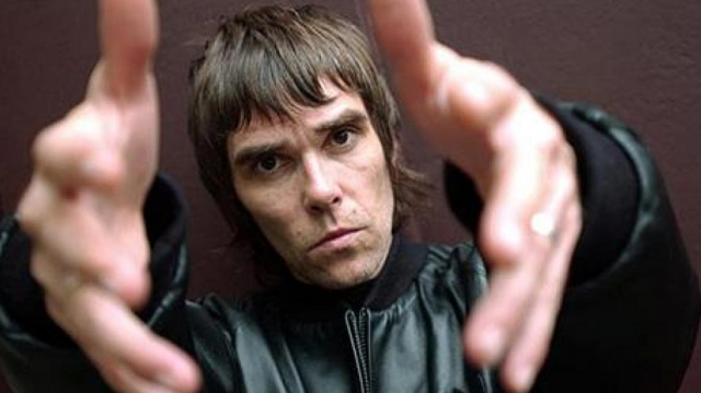 Ian Brown testificó contra su ex profesor por agresión sexual