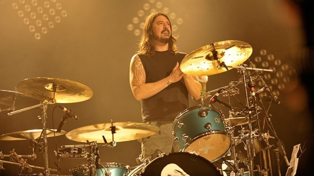 Dave Grohl quiere tocar con AC/DC