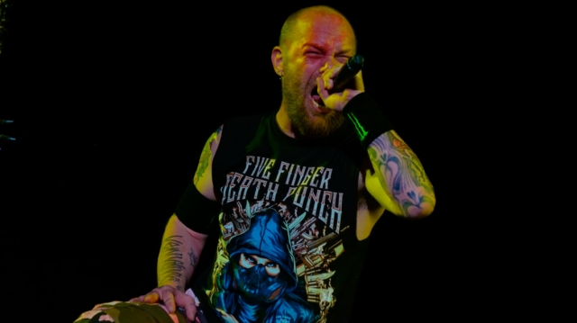 Five Finger Death Punch confirman a su nuevo baterista