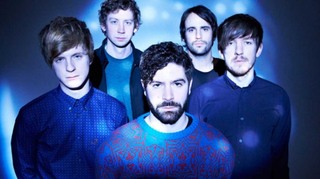 Foals estrenan su nueva canción 'On The Luna'