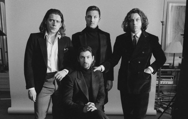 Fans de Arctic Monkeys protestan por altos precios de sus shows