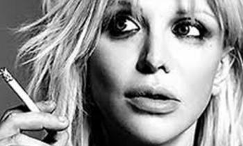 Courtney Love tocó con una banda de 1500 músicos