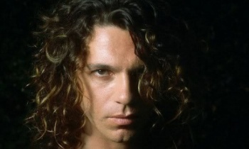 19 años sin Michael Hutchence, vocalista de INXS