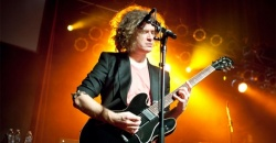 Dave Keuning, de The Killers, cumple 44 años