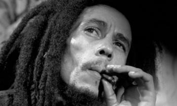 Bob Marley, el ícono rastafari con The Wailers