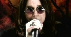 2004 - Ozzy Osbourne, Embajador para recibir a los Aliens