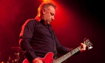 Se cumple un año de Peter Hook y su gira 'Substance' en México