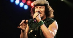Brian Johnson, 37 años de su llegada a AC/DC