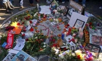 John Lennon, recordado en el monumento en su honor