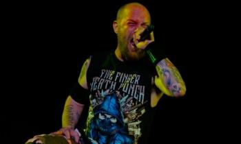 Five Finger Death Punch confirman a su nuevo baterista