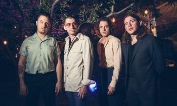 Vive Latino 2019 tendría a Arctic Monkeys como banda estelar