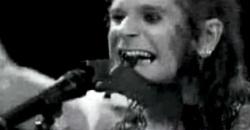 Ozzy Osbourne, 35 años de morder un murciélago en pleno show