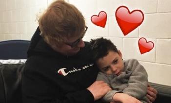 Ed Sheeran visita a pequeño fan con enfermedad terminal