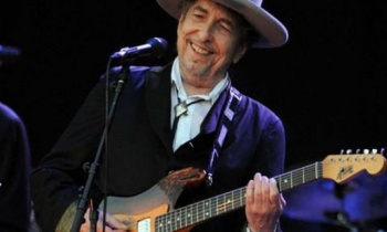 Bob Dylan recibirá por fin el Premio Nobel